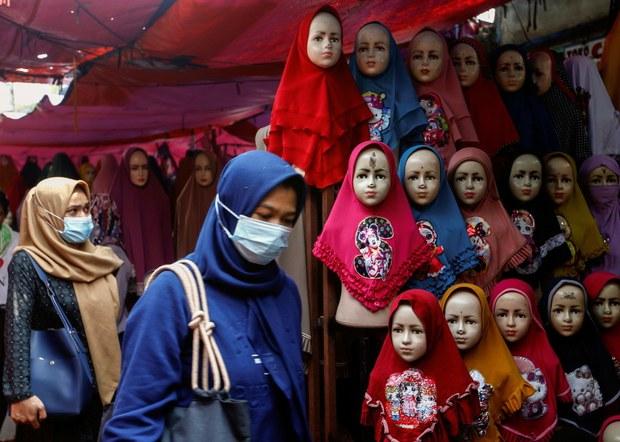 HRW: Perempuan Indonesia Mendapat Tekanan Tinggi untuk Berjilbab