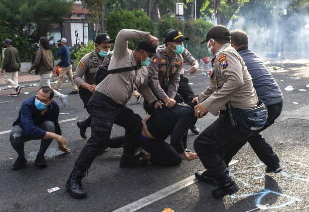HRW: Kebebasan Berpendapat di Indonesia Menurun