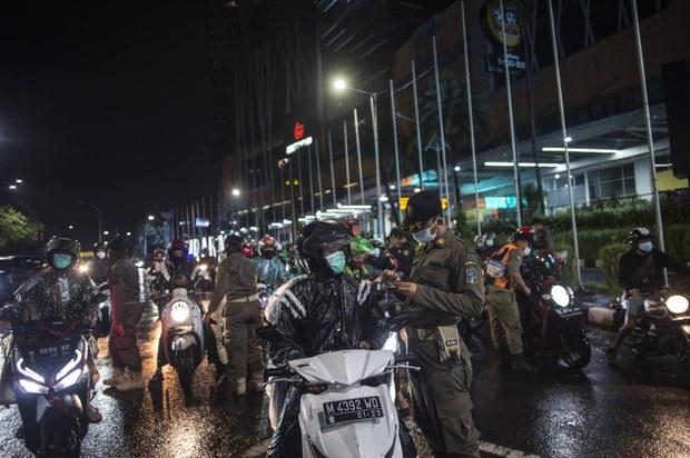 Pemerintah Kembali Terapkan PSBB Lebih Ketat di Jawa – Bali