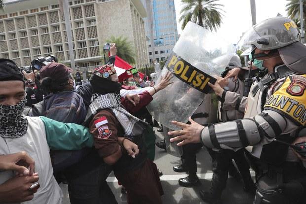 Ratusan Anggota Ormas Islam Tuntut Pembebasan Rizieq Shihab