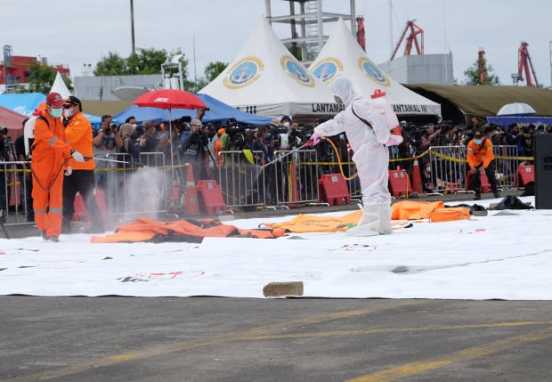 Potongan Tubuh Korban SJ-182 Ditemukan, Lokasi Kotak Hitam Terlacak