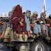 Para pejuang Taliban melakukan patroli di jalan-jalan di Kabul, 23 Agustus, 2021.